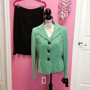 NWT Le Suit 2 Piece Suit Mint Blazer Jacket/Skirt